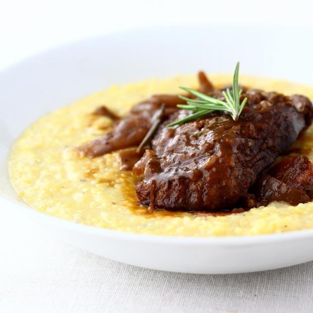 Brasato al barolo con polenta ---///--- Beef braised in Barolo wine with polenta