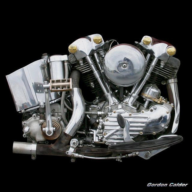 NO 31: CLASSIC HARLEY DAVIDSON KNUCKLEHEAD MOTORCYCLE ENGINE | by Gordon Calder