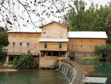 Loretta Lynn And Children | Loretta Lynn's Ranch & Family Campground - Tennessee Vacation