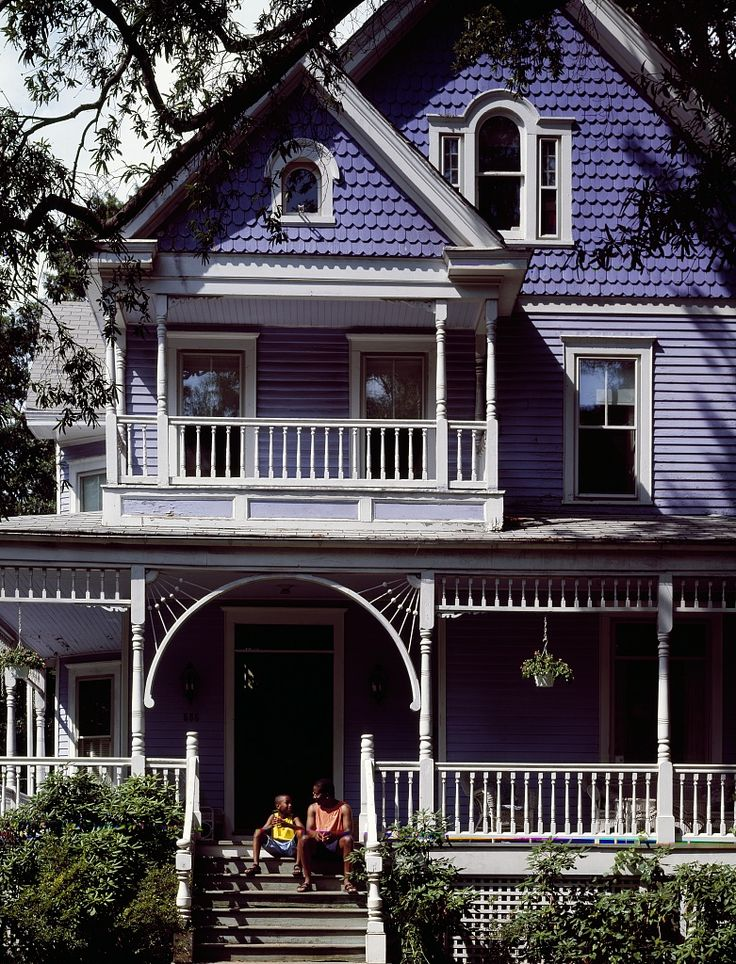 Such A Pretty Homey Victorian House In Takoma Park Md Such An Odd Periwinkle Color Which I