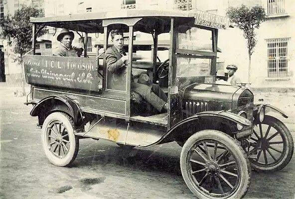 Transporte Publico.  Ruta Tacubaya-Mixcoac-San Angel. Auto Ford,  año de 1925