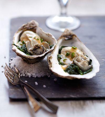 Huîtres pochées au cidre. http://www.thalassotherapie.com/actualites/recette-dietetique-huitres-pochees-au-cidre/