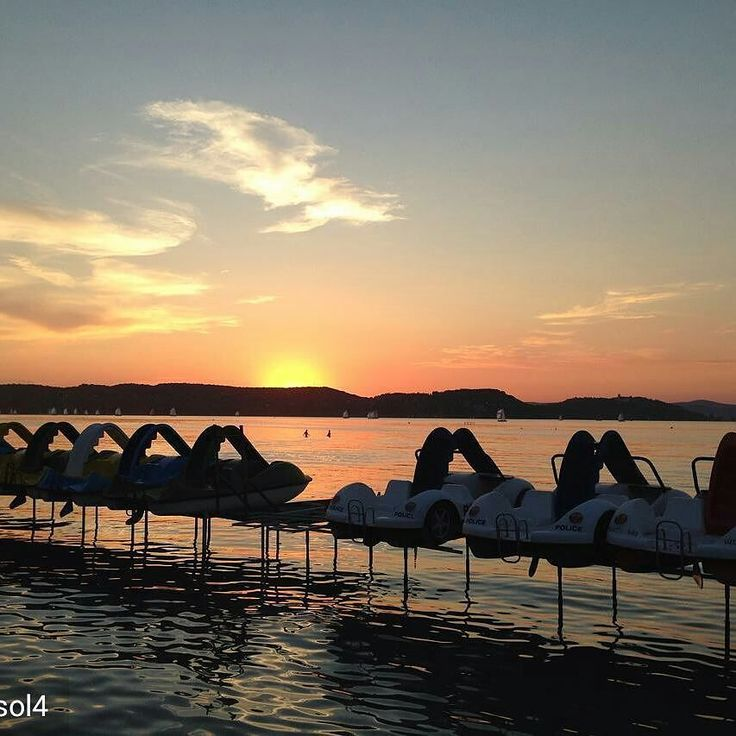 @Regrann from @zsol4 -  #magyarország #hungary #hun #balaton #lake #balatonsound #festival #naplemente #sunset #instahun #ikozosseg #instagram #mik #BalatonWebsite www.nr86.hu @nr86hu - #regrann