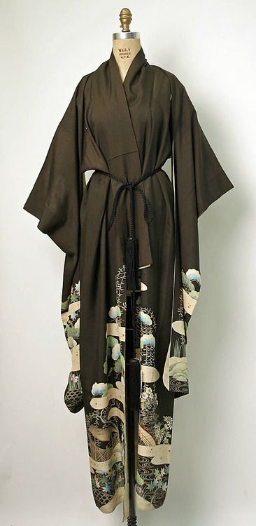 Silk kimono, early 20th century, Japan. MET Museum (Gift of Alfred and Doris Klein, 1976)