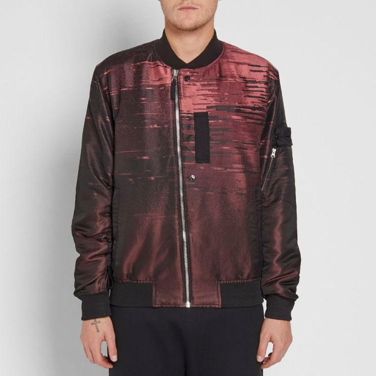 Stone Island's Shadow Project expands on this brand's leading-edge design aesthetic and high-tech fabric engineering with the help of renowned German label Acronym's Errolson Hugh and Michaela Sachenbacher. This Big Loom Jacquard Bomber Jacket is cut from a technically woven mix of fabrics and boasts a bright and bold graphic decoration throughout. This garment dyed style has been treated with an anti-drop formula for dirt and water repellent properties and boasts adjustable articulation…