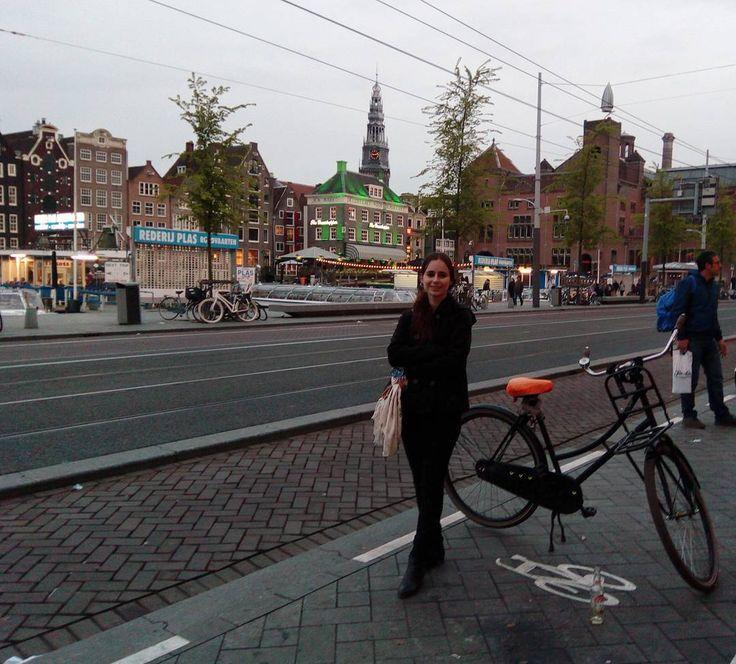 #amsterdam #netherlands #travel #europe #me #selfie #girl #beautiful #амстердам #нидерланды #селфи #девушка #я #путешествие #европа http://tipsrazzi.com/ipost/1512309303858484096/?code=BT8zUyfANOA