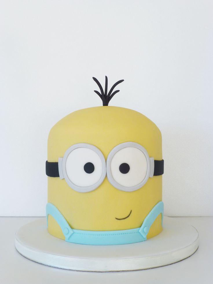 Peaceofcake ♥ Sweet Design: Minions Cake and Cupcakes • Bolo e Cupcakes Minions