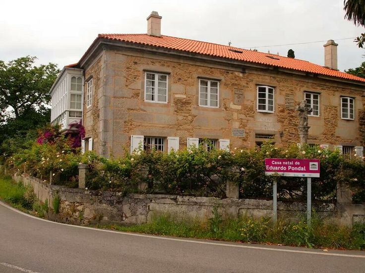 Casa natal de Eduardo Pondal.  Ponteceso