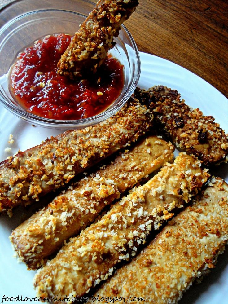 This crunchy tofu recipe was fantastic! I pressed the tofu with the baking sheet, paper towels, and a cutting board. With a homemade teriyaki sauce to dip in, mmmm mm mmm! Delicious --------> http://tipsalud.com