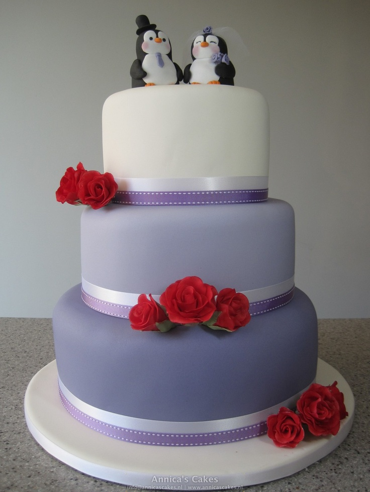 Purple and white Pinguin wedding cake white red roses- made by Annica's Cakes-