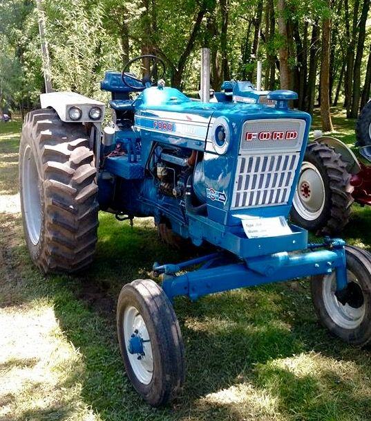 Ford 7000 Tractor : Best images about blue ford tractors on pinterest