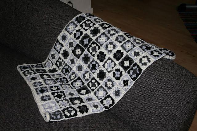 Hæklet babytæppe - firkanter (farmor/mormor/oldemor)