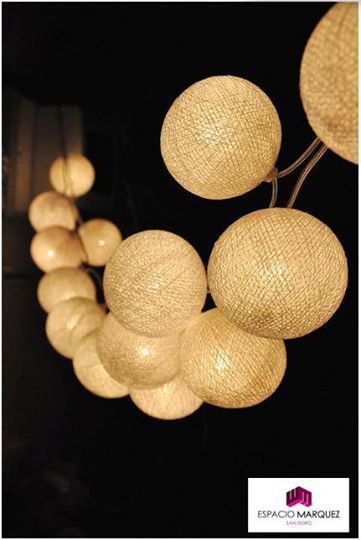 Estas lucecitas de hilo son súper cancheras y dan una luz cálida, ideal para cualquier evento de día o de noche. ¡A tener en cuenta!