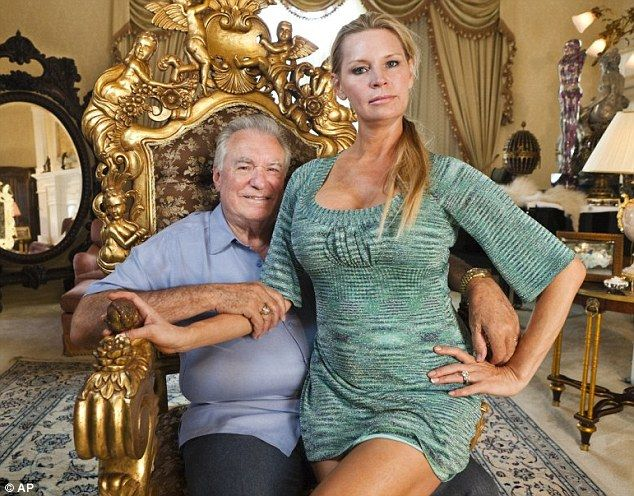 Another set of effed up people doing effed up things: Former beauty queen Jackie Siegel, 47, and her self-made billionaire husband, David, 78, have restarted work on their sprawling 90,000-square-foot property in Windermere, Florida