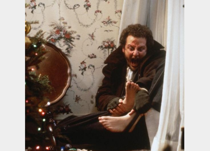 Watch: Home Alone Burglar Is Back With Haunting Video About Macaulay Culkin's Kevin McCallister - http://www.morningnewsusa.com/home-alone-burglar-video-2350178.html