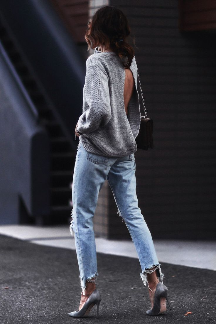 Wether you invest in new trends or you recycle you good old basics, here's some good outfit ideas from the A-list to build the perfect spring look.