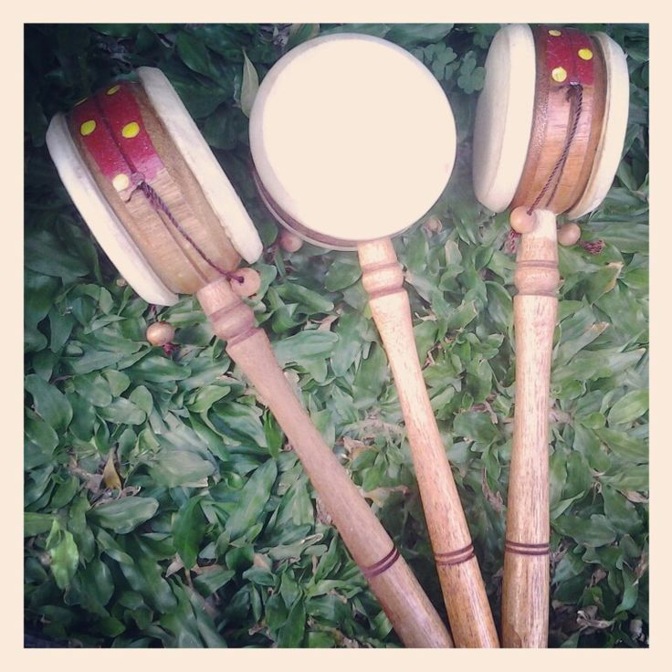 Sale Indonesia traditional toys named Wieraning Otong-otong Kendang. Further info please kindly to mention our twitter account @wieraningshop :)