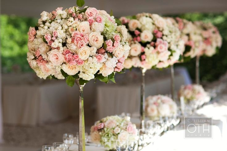 I like this table decor, but with something handing from it to add depth - Wedding #Pink #Flowers