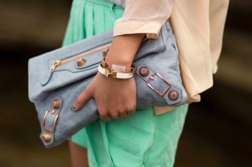 fresh: Baby Blue, Hermes Bracelets, Colors Combos, Pastel Cerveza Tennis, Balenciaga Clutches, Than, Colors Combinations, Pastel Fashion, Balenciaga Bags
