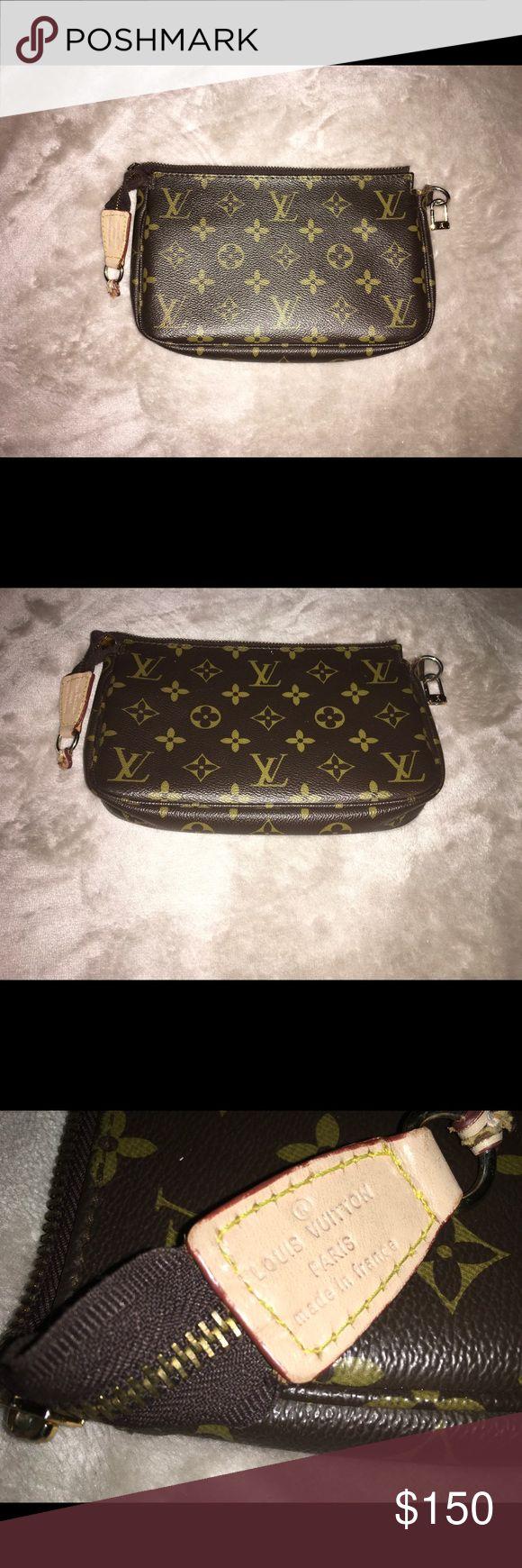 🌸Vintage Louis Vuitton bag 100% Authentic 🌸 🌸Vintage Louis Vuitton bag 100% Authentic 🌸 Louis Vuitton Bags Mini Bags