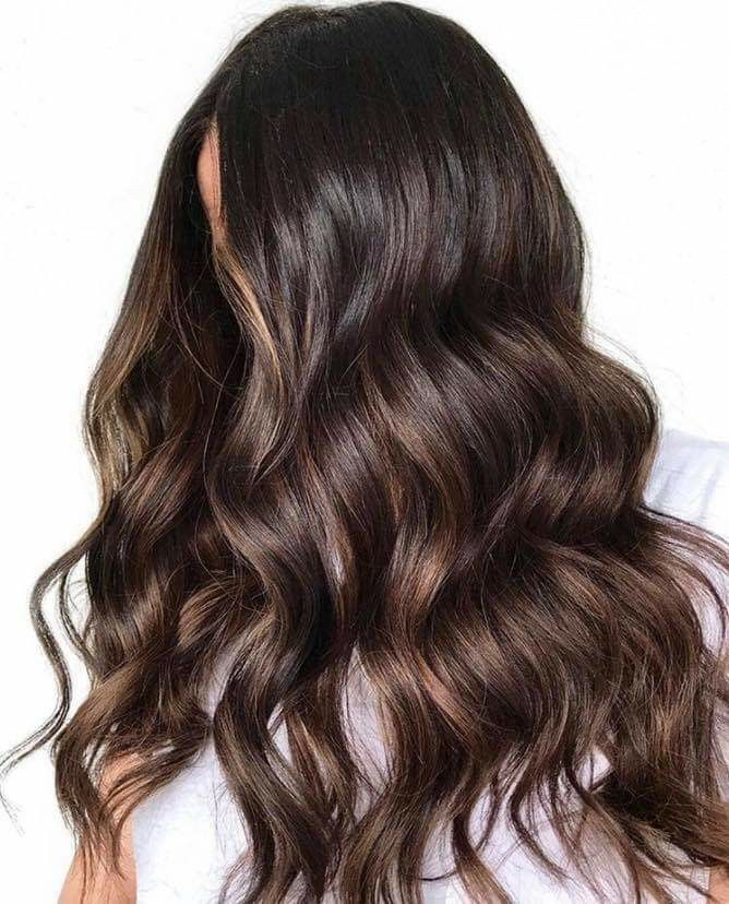 Need Some Shimmery Brunette Inspo For This Shadeseq Saturday Save Hair Bykate Formula Natural Lev Perfect Wavy Hair Natural Wavy Hair Ombre Hair Color