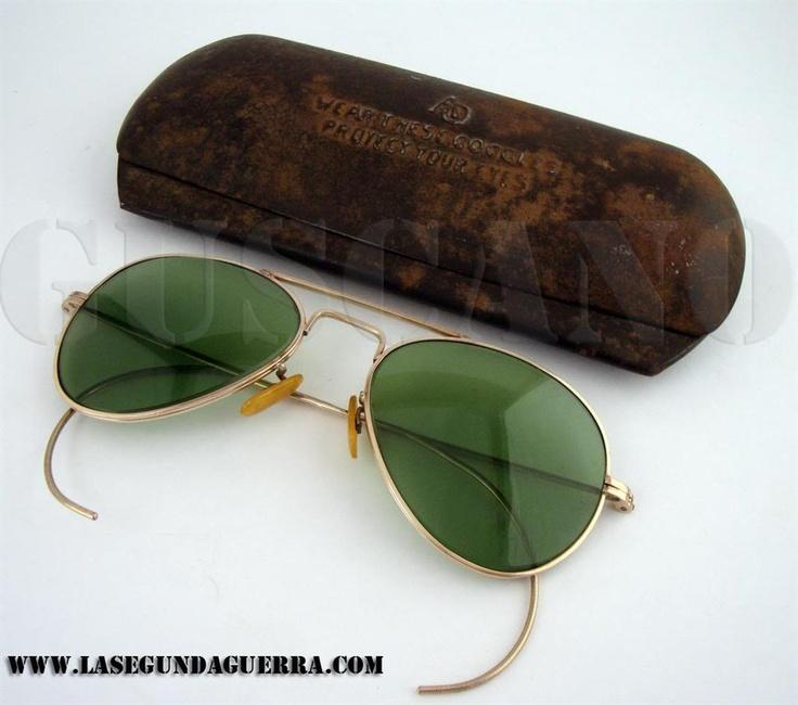 """Ulleres de sol de dotació, denominades """"Glasses, Flying, Sun (Confort Cable)"""" fabricades per American Optical. 2a GM"""