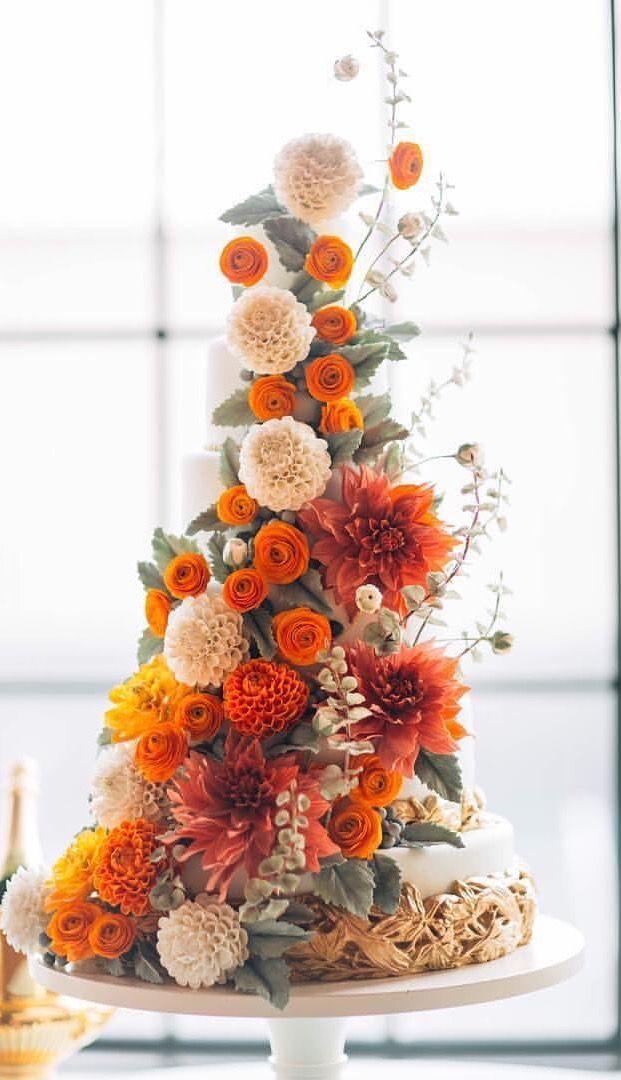 Sugar Flower Wedding Cake by Alex Narramore, The Mischief Maker