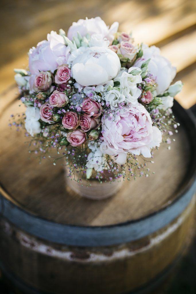 Casual garden wedding with a free wedding ceremony – ●°flowerpower.