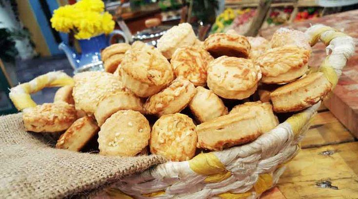 Bizcochitos de grasa por Evangelina Cardona