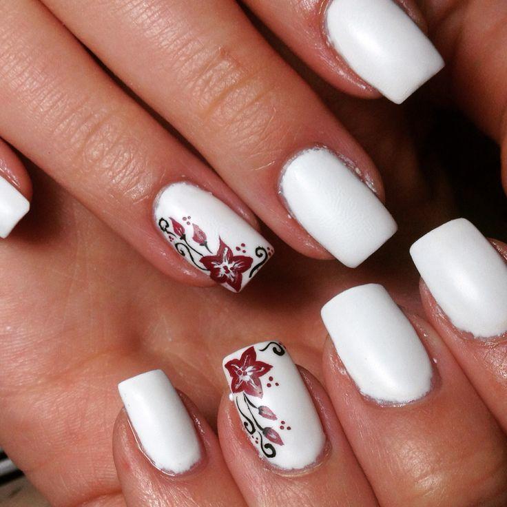 Lovely whiteatte nails ❤️