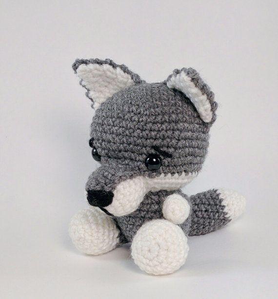 PATTERN: Crochet wolf pattern - amigurumi wolf pattern - crocheted gray wolf pattern - wolf toy tutorial - PDF crochet pattern
