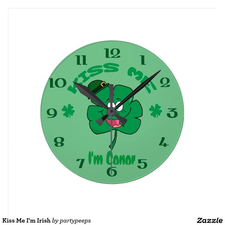 Kiss Me I'm Irish Round Wallclock