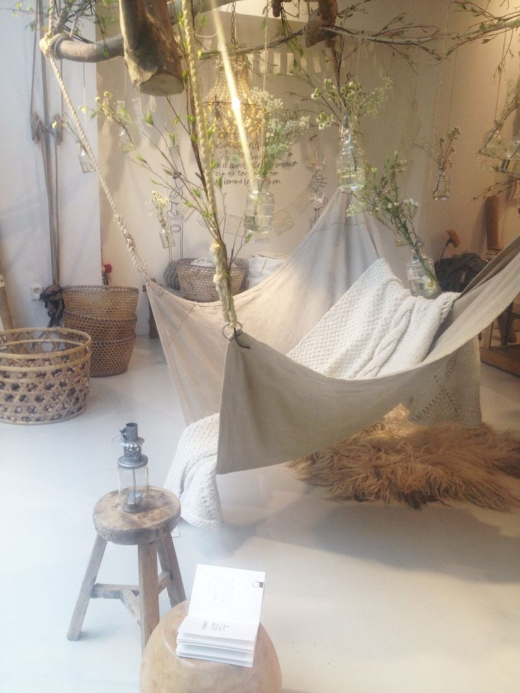 Hammocks & Flowers... #NatureCraving #TMOtrenddag