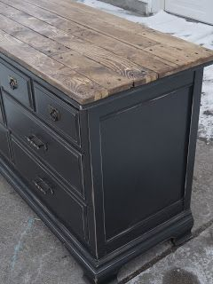 Use CeCe Caldwell's Chalk + Clay Paint in Vermont Slate and Beech Nut Gray Stain + Finish to re-create this look.