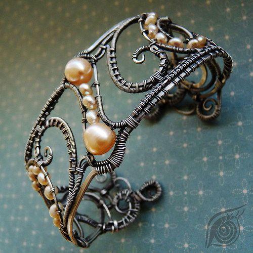 pretty wire bracelet