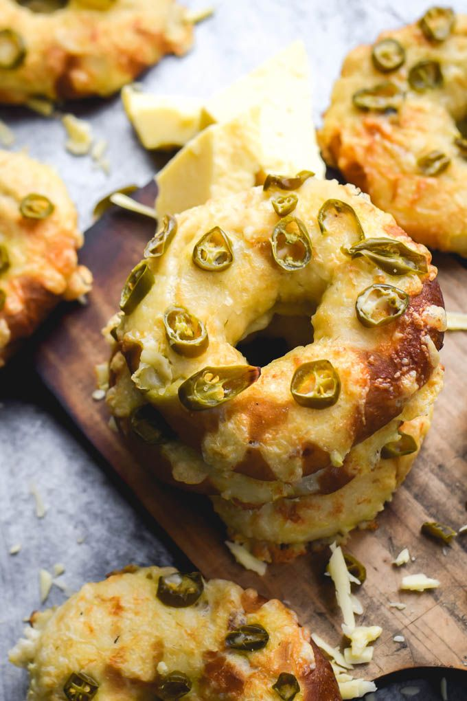 Spicy Jalapeno Cheddar Cheese Bagels | Gringalicious