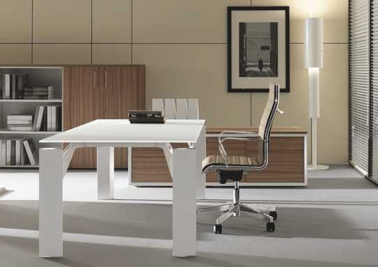 X19 scrivania direzionale di Brunoffice