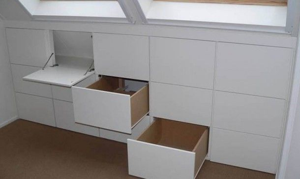 Opgeruimde zolder kastenwand. Sided attic wall units