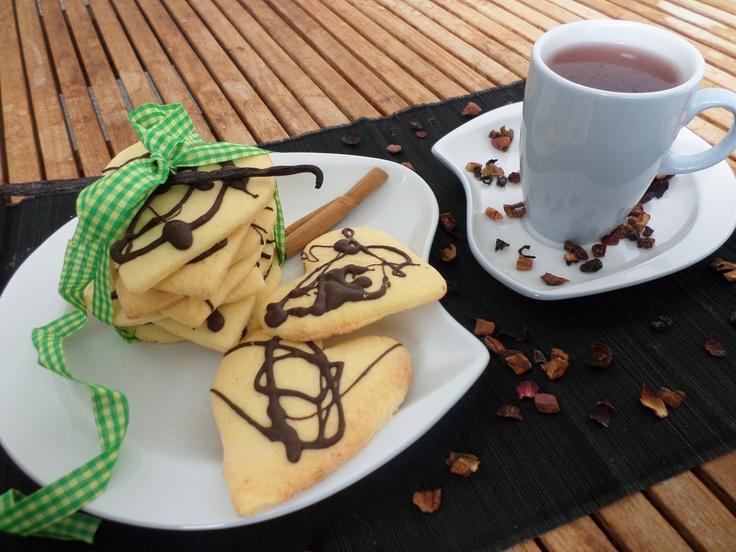 Delicious vanilla biscuits | Köstliche Vanille-Kekse
