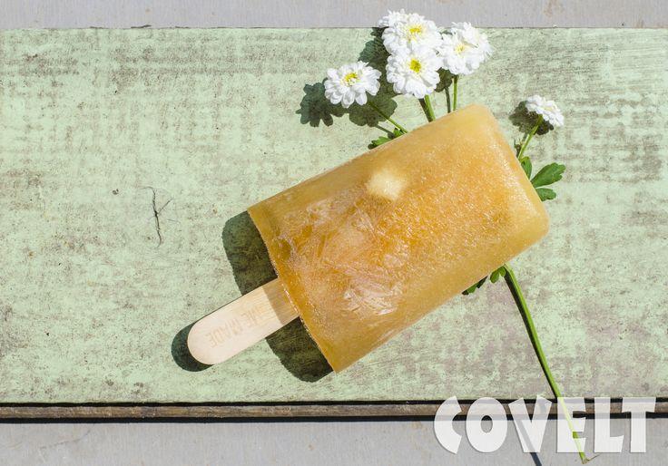 Zelfgemaakt waterijsje --> water + diksap + vers fruit #CoveltDixap #Peer #Kweepeer #Perzik #ijs