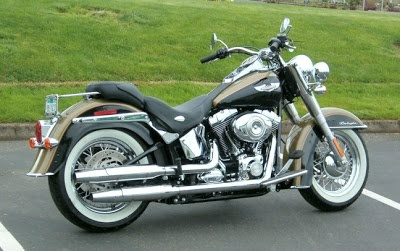 HARLEY DAVIDSON SOFTAIL DELUXE http://motorcyclespeciaist.blogspot.com