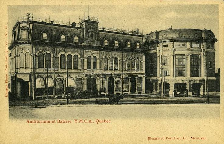 C'est devenu le Capitol de Québec à Place d'Youville. // Auditorium et bâtisse, Y.M.C.A., Québec 1903