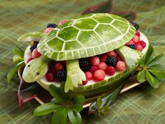 I like this presentation of a fruit salad for a summer kids pool partyFruit Bowls, Fruit Salads, So Cute, Cute Ideas, Food, Summer Parties, Watermelon Turtles, Watermelon Carvings, Fruit Art