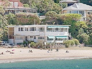 Absolute Beachfront Penthouse http://www.homeaway.com.au/holiday-rental/p929468 #sydney #apartments