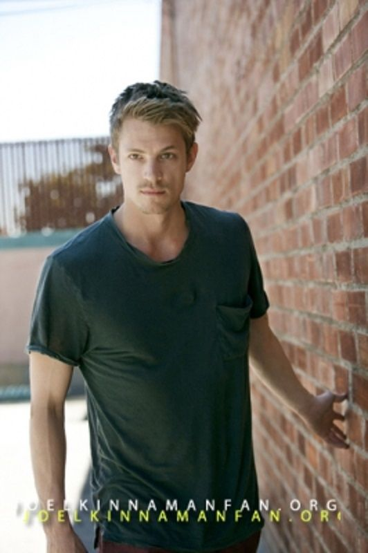 joel kinnaman, eek.. officially at red hot crush status. Not usually one for blondies.