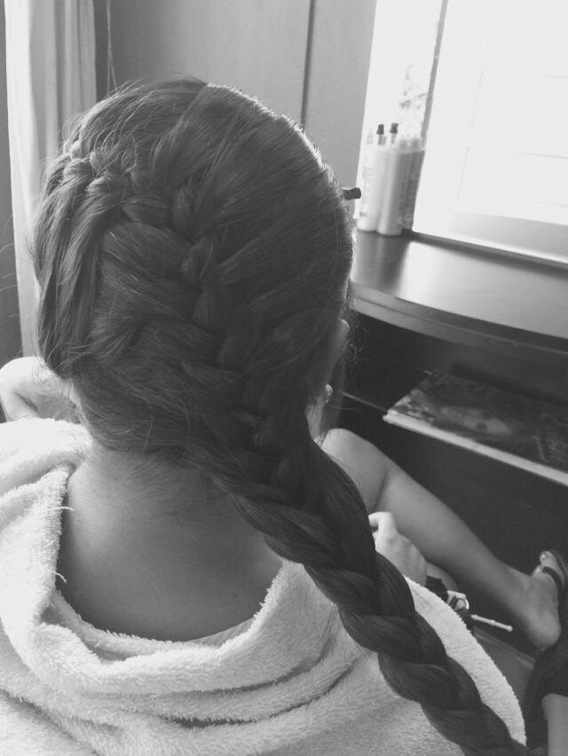 Trenza cabello largo recogido