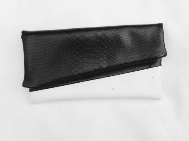 dennina91 – 4 prodotti unici a partire da € 12.0 #clutch #phyton #fauxleather #blackwhite #glamour #rock #fashion #style #accessories #dennyhandmade @dawandaIT