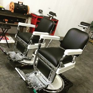 1000 Ideas About Barber Chair On Pinterest Salon Chairs