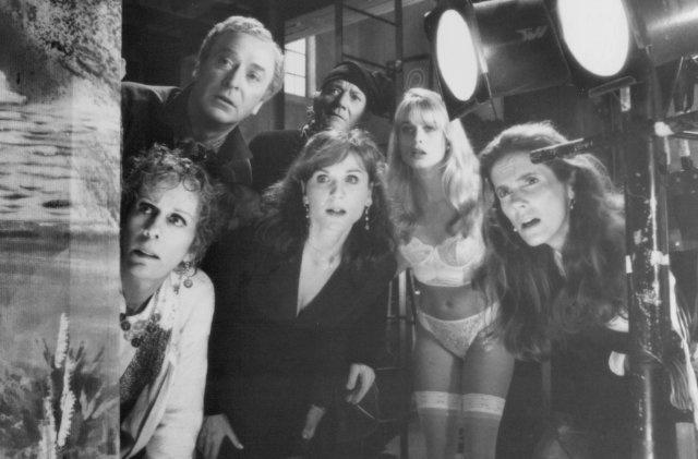 Still of Michael Caine, Marilu Henner, Carol Burnett, Denholm Elliott, Nicollette Sheridan and Julie Hagerty in Noises Off...