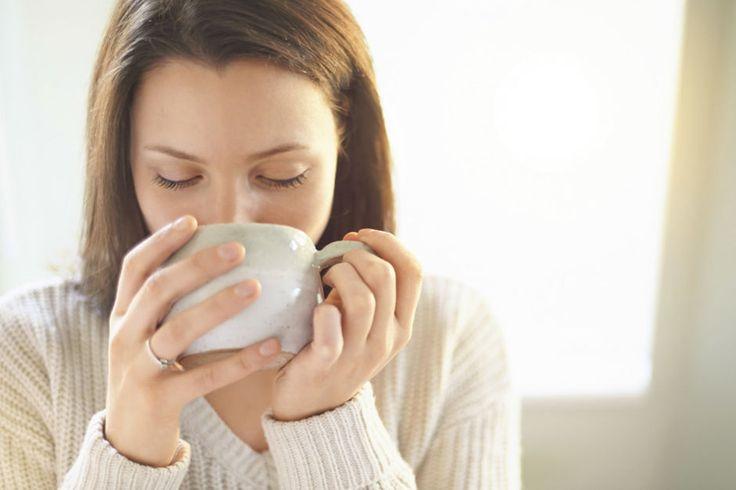 Gelenk- und Kopfschmerzen, hohes Fieber und grippeähnliche Beschwerden sind häufige Symptome einer Lungenentzündung. Es hat Sie erwischt? Wir haben die besten Tipps, Anwendungen und Hausmittel, damit Sie schnell wieder gesund werden.